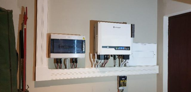 Goodwe Hybrid Inverter, 3.85kW PV, 4.8kWh Li-Ion Bank